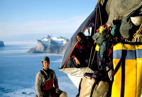 Mark Synnott na Polar Sun Spire w 1996 roku (fot. newhampshireclimbing.com)