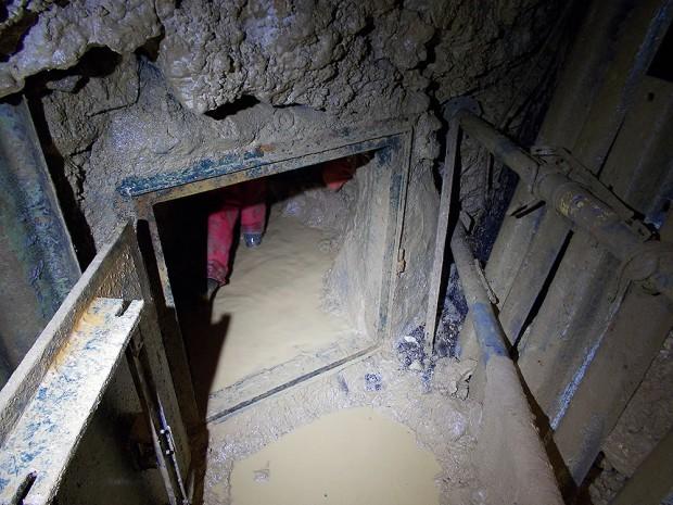 Woda, piach i błoto niemieckich jaskiń nie wyrządziły HL50 żadnej szkody.