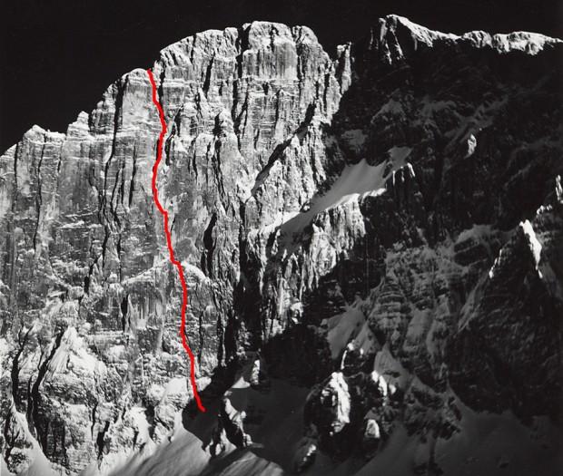 """""""Droga Philippa i Flamma"""" na północno-zachodniej ścianie Civetty (fot. i topo Janusz Kurczab)"""