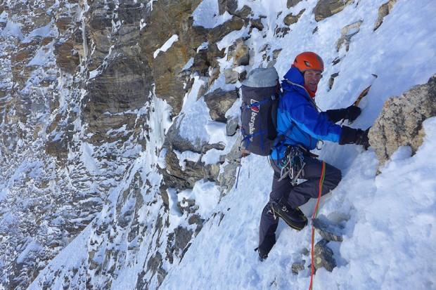 Mick Fowler czwartego dnia wspinaczki (fot. Paul Ramsden)