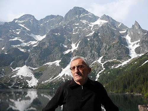 "Maciej Popko, Lato 2009 (fot. Adam Trzaska, źródło: ""Głos Seniora"" 9/2009)"