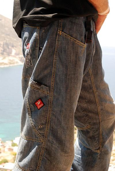 Spodnie Poema Roca Jeans Light - prawa kieszonka (fot. wspinanie.pl)