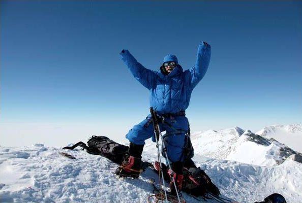 Zygmunt Berdychowski  na Masywie Vinsona, najwyższym szczycie Antarktydy (styczeń 2011)