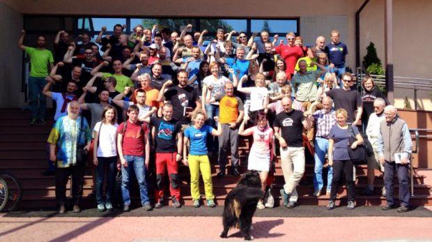Pamiątkowe zdjęcie delegatów XIX WZD PZA (fot. Taternik)