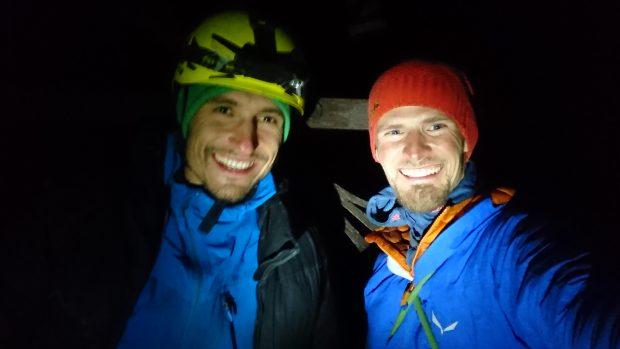 Radość i ulga na szczycie (fot. Alpine Wall Tour)