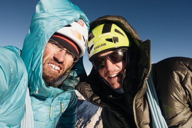 Hansjörg Auer i Alex Blümell na szczycie Gimmigela East