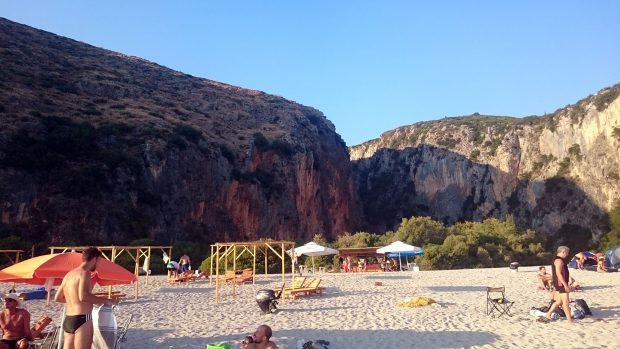 Gjipe, czyli plaża i skały w jednym miejscu