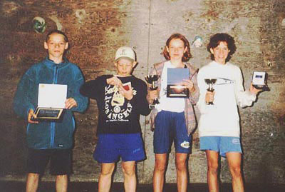 Zdobywcy pucharów. Od lewej: Konrad Ociepka, Marcin Wach,  Kinga Ociepka i Krysia Hawela (fot. Michałek)
