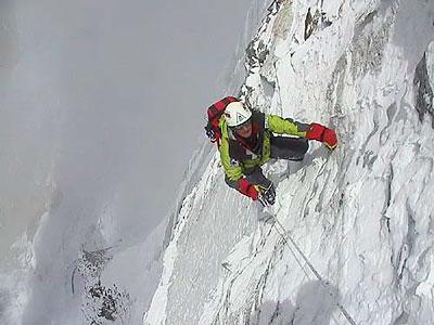 Denis Urubko na drodze Cia Patrick (fot. planetmountain)