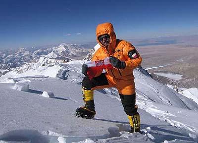 Piotr Morawski na szczycie Shishapangma