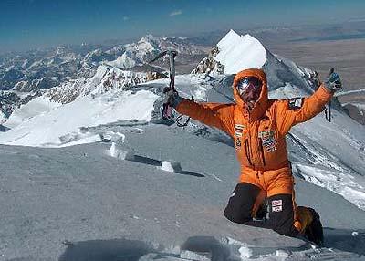 Simone Moro na szczycie Shishapangma (fot. www.wyprawa.pl)