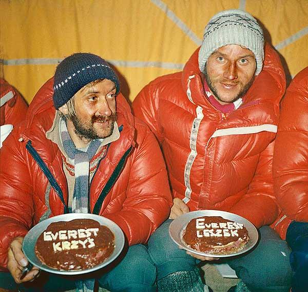 Krzysztof Wielicki i Leszek Cichy po zdobyciu Everestu (fot. Bogdan Jankowski)