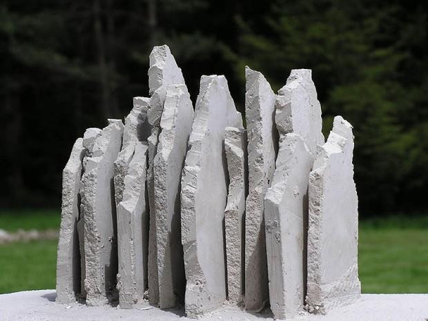"""Model """"Korony Himalajów"""", projekt Sławoja Ostrowskiego oraz plastyków Marzeny i Jacka Bruzdowiczów"""