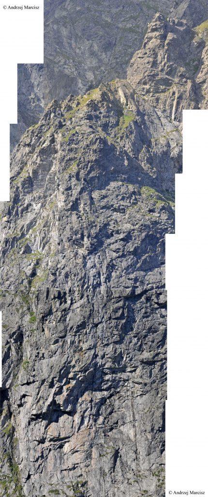 Górna część Kazalnicy, zdjęcie połączone z wielu fotografii. Należy kliknąć, by zobaczyć chwyty na Wielkim Okapie. Uwaga ryzyko utraty OS-a :)
