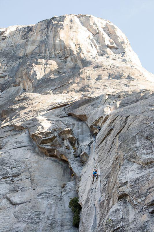 Cheyne Lempe rozpoczyna rekordowo szybkie samotne przejście Salathé Wall (fot. Jessica Pemble)