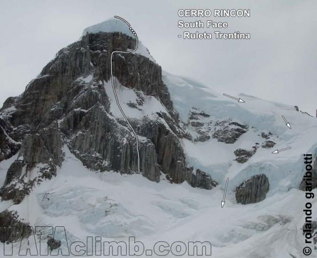 "Południowa ściana Cerro Rincón i linia ""Ruleta Trentina"" (fot. Rolando Garibotti / Pataclimb.com)"