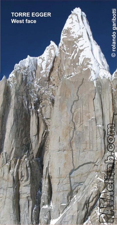 Linia zaawansowanej próby włoskiego zespołu na zachodniej ścianie Torre Egger (fot. Rolando Garibotti / Pataclimb.com)