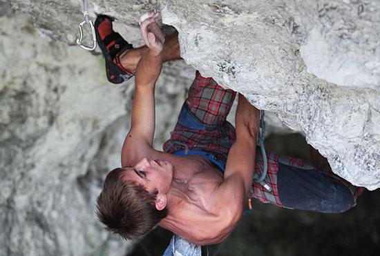 Adrian Chmiała w Jaskini Mamutowej (fot. Adam Kokot)