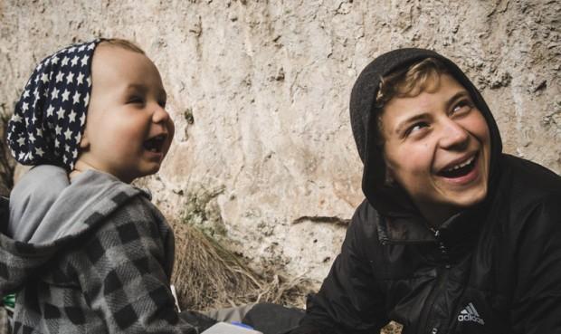 Fajnie było w tej Hiszpanii... Alex z Antkiem, synem Łukasza Dudka (fot. Basia Baczosa Dudek)