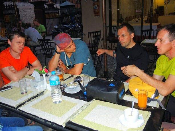 W Katmandu. Od lewej Braun, Bielecki, Siniew i Urubko (fot. urubko.blogspot.com)
