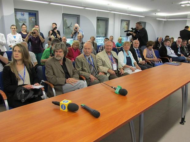 Początek konferencji prasowej (fot. Michał Kochańczyk)
