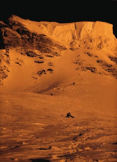Końcowe partie drogi na K2 - Żleb Butelki i trawers pod serakiem  (fot. altitudepakistan.blogspot.com)