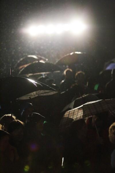 Mimo deszczu publiczność dzielnie dopingowała (fot. Adam Kokot)