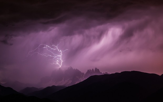 Burza nad Dolomitami, Villnösser Geisler (fot. Georg Kantioler)