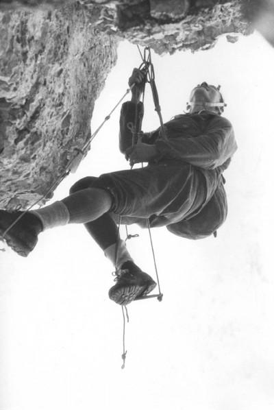 Lato 1963. Ryszard Szafirski na drodze Carlesso-Menti na Torre di Valgrande (fot. Józef Nyka)