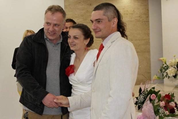 Artur Hajzer na naszym ślubie (fot. arch. rodzinne - R. i A. Małek)