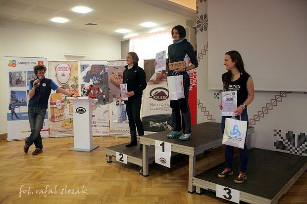 Podium pań: 1 – M.Cebo, 2 – M. Derezińska-Osiecka (w jej imieniu nagrody odebrała Karolina Ubysz), 3 – I.Januszyk (fot. Rafał Ślęzak)