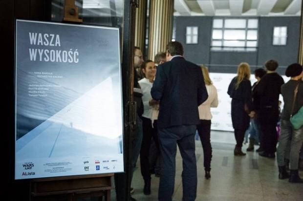 15 listopada w teatrze WARSawy... (fot. Kasia Bąba / teatralna.com)