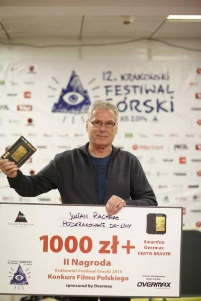 """II Nagroda w Konkursie Filmu Polskiego trafiła do Juliana Rachwała za """"Podkrakowskie do-liny"""" (fot. Wojciech Lembryk)"""