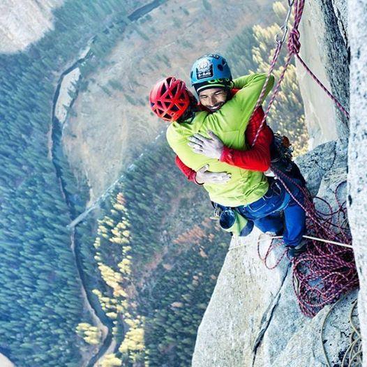 Radość na szczycie (fot. Corey Rich / BigUp Production)