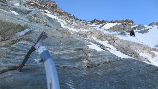 Kacper prowadzi na około 4150 m (fot. Adam Bielecki)