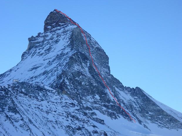 Północna ściana Matterhornu z wrysowaną drogą Schmidów (fot. Kacper Tekieli)
