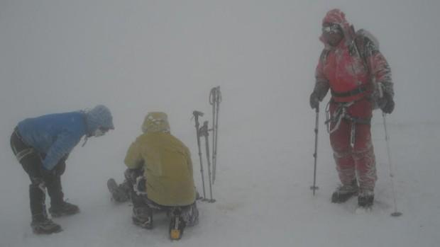 Bardzo trudne warunki na Elbrusie (fot. Denis Urubko)
