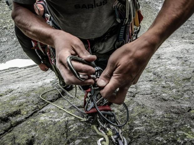 Fotografie Julity Chudko cechują się skupieniem na detalach, szczególnie na dłoniach wspinaczy