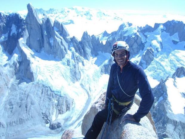 Alex Honnold definiuje pojęcie szybkości w Patagonii. Tu na szczycie Aguja de la Silla