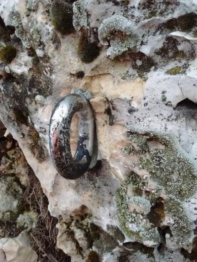 Przykład zniszczonego ringa (fot. KW Kraków)