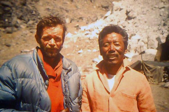 Dennis Davis (34 l.) i Sherpa Tashi (50 l.) - zdobywcy Nuptse