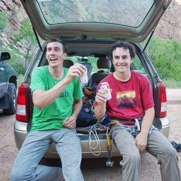 Scott Bennett i Brad Gobright po 24 godzinach biegu po El Capitan (fot. Taleen Kennedy)