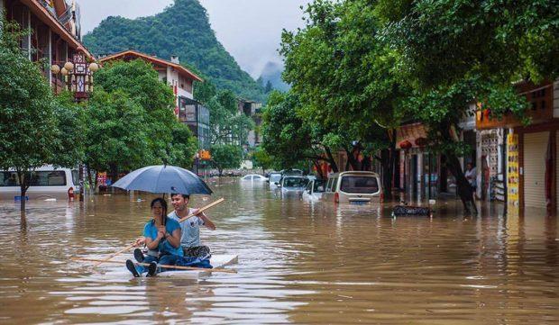 Powódź w Yangshuo (fot. Thorsten Henn)