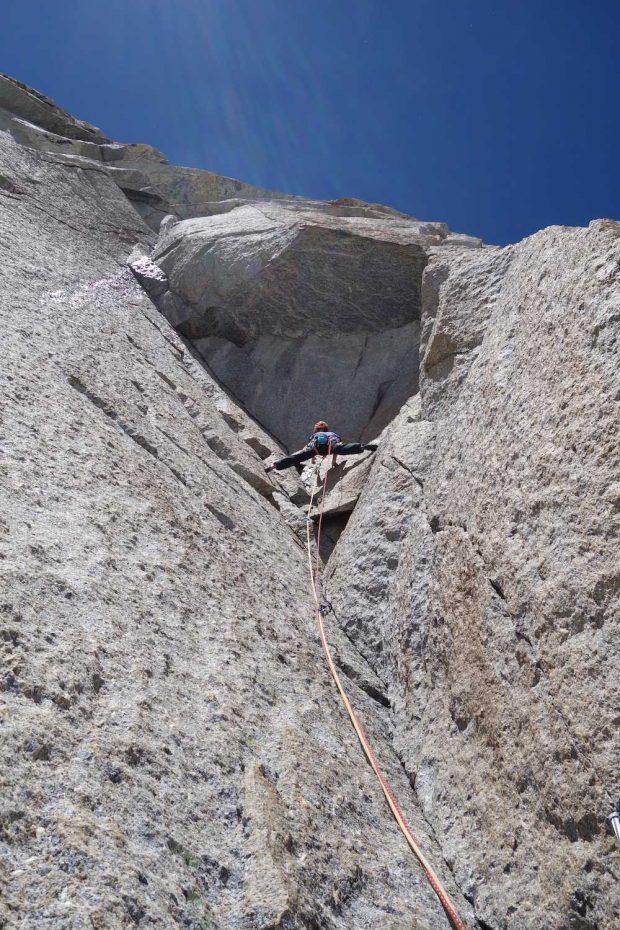 Nina Caprez na kluczowym wyciągu 7b+ fot. (blog.arcteryx.com)