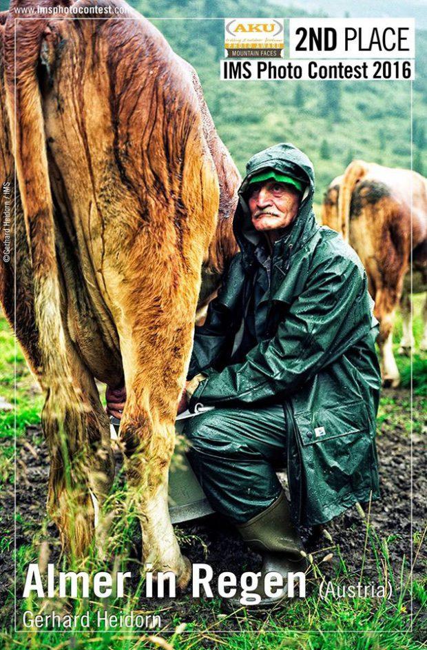 """II miejsce w kategorii """"Mountain Faces"""" - """"Almer in Regen"""" fot. Gerhard Heidorn"""