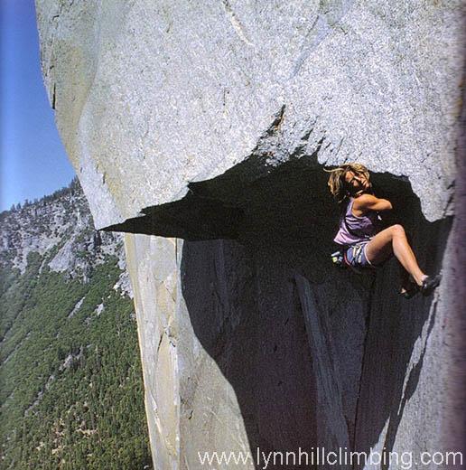 """Lynn Hill na wyciągu Great Roof na drodze """"The Nose"""" (fot. Heinz Zak)"""