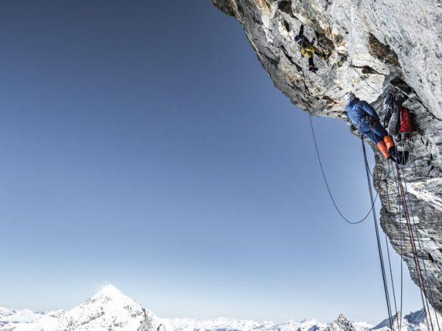 Alexander Huber w akcji na najtrudniejszym fragmencie Schweizernase