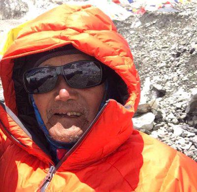 Min Bahadur Sherchan w bazie pod Mount Everest