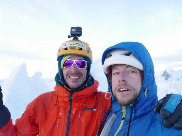 Matteo Della Bordella i Silvan Schüpbach na szczycie Cerro Riso Patrón Sur (fot. Matteo Della Bordella - profil FB)