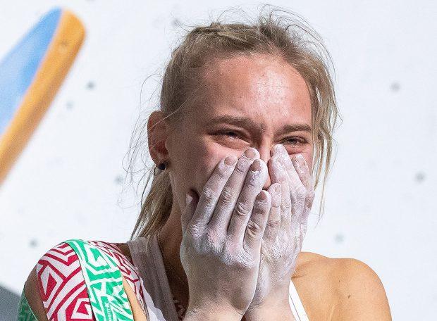 Wzruszenie mistrzyni - Janja Garnbret (fot. Johann Groder / Austria Climbing / EXPA Pictures)